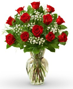 avasflowers-dozen-roses-farm-fresh_max